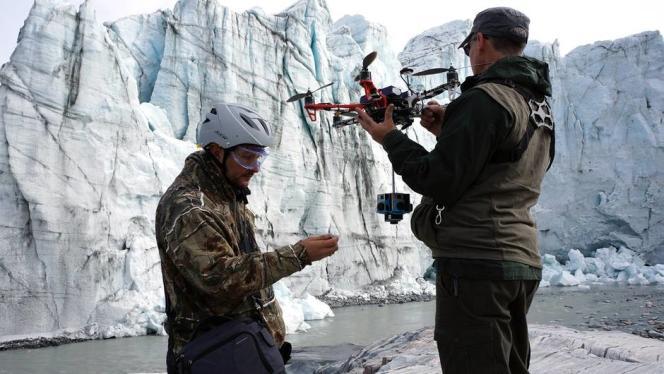 Six caméras GoPro assemblées entre elles filment simultanément en direction des quatre points cardinaux, mais aussi vers le zénith et le nadir.