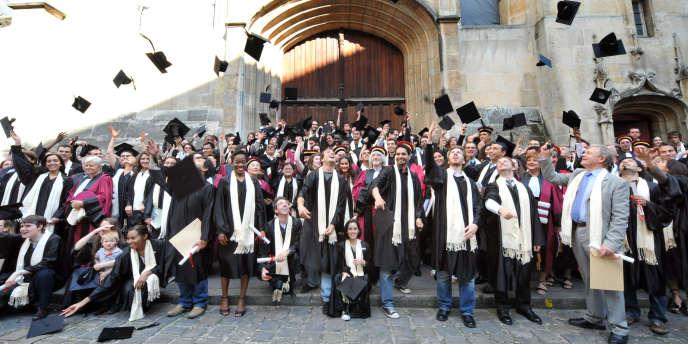 Quels sont les secteurs qui recrutent le plus de jeunes diplômés ?