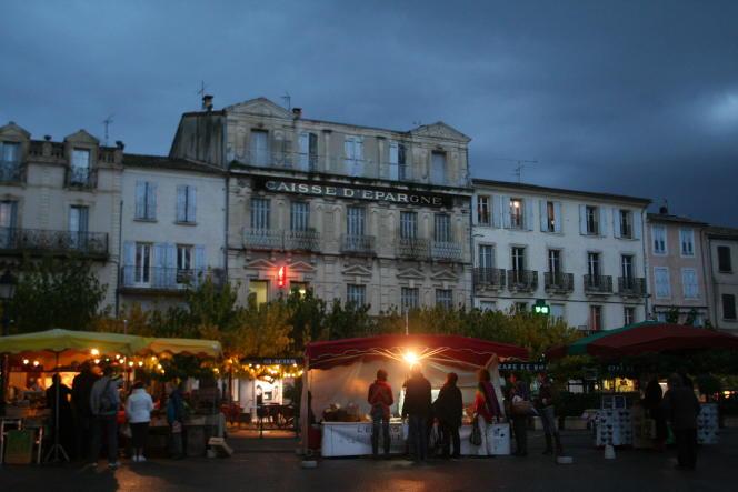 Le ville de Forcalquier a supprimé la publicité de ses rues dès 2009.