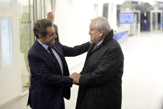 Nicolas Sarkozy et Jean Pierre Raffarin le 29 novembre à Paris.