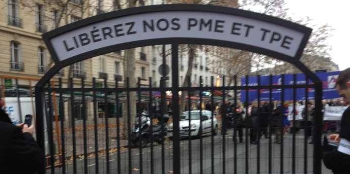 Manifestation d'entrepreneurs à Paris, le 1er décembre.
