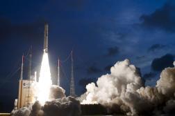 Un précédent décollage de la fusée Ariane 5 depuis Kourou, en Guyane, le 2 décembre2014.