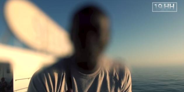 Omar Diaby, recruteur et auteur principal des vidéos 19HH, y apparaît généralement flouté.