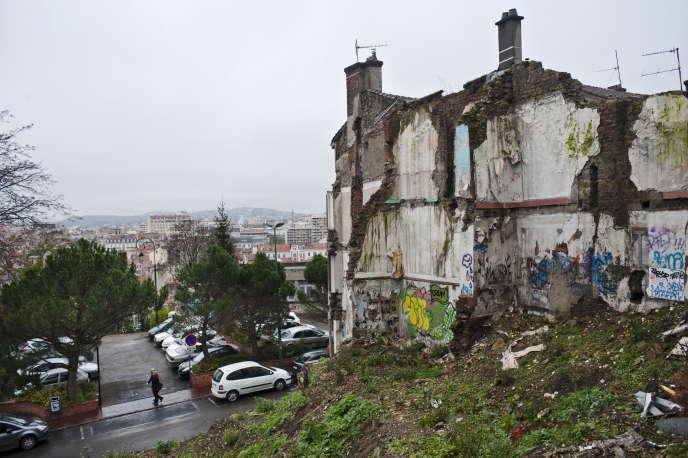 Sur la colline du quartier Beaubrun, à Saint-Etienne, le 2 décembre.