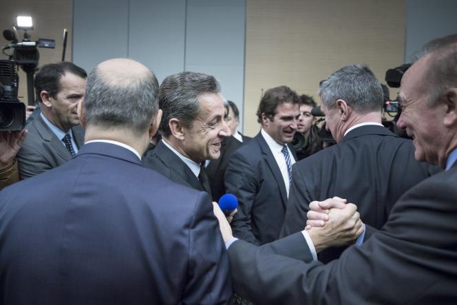 Nicolas Sarkozy devant le groupe UMP à l'Assemblée nationale à Paris, le 2décembre.