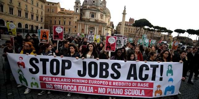 Manifestation contre le« Jobs act» de Matteo Renzi, à Rome, en décembre 2014.