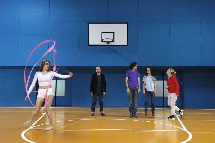 De gauche à droite : Claire Zeller, Denis Podalydès, Stanislas Nordey, Audrey Bonnet et Emmanuelle Béart, lors d'une répétition de la pièce de Pascal Rambert,