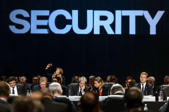 Lors de la réunion de l'OSCE, le 4 décembre à Bâle.