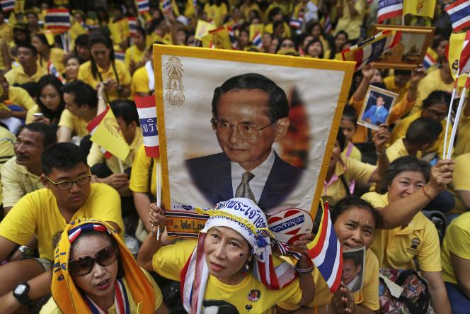 Lors des célébrations de l'anniversaire du roi, le 5 décembre 2014, à Bangkok.