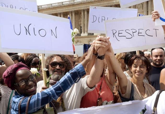 Paris, 3 août 2014. Manifestation  en faveur de la fraternité entre les peuple à Paris, pendant l'opération