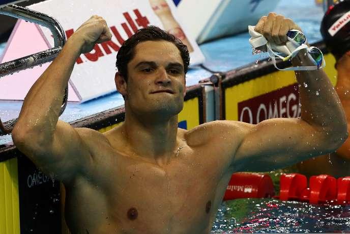 Florent Manaudou, après sa victoire sur le 50 m nage libre aux Mondiaux en petit bassin, vendredi 6 décembre à Doha (Qatar).