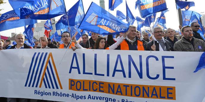 Une manifestation de la police nationale à Paris, le 13 novembre.