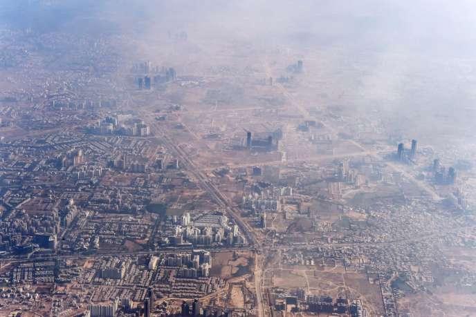 Nuage de pollution au-dessus de New Delhi, en Inde, le 25 novembre.