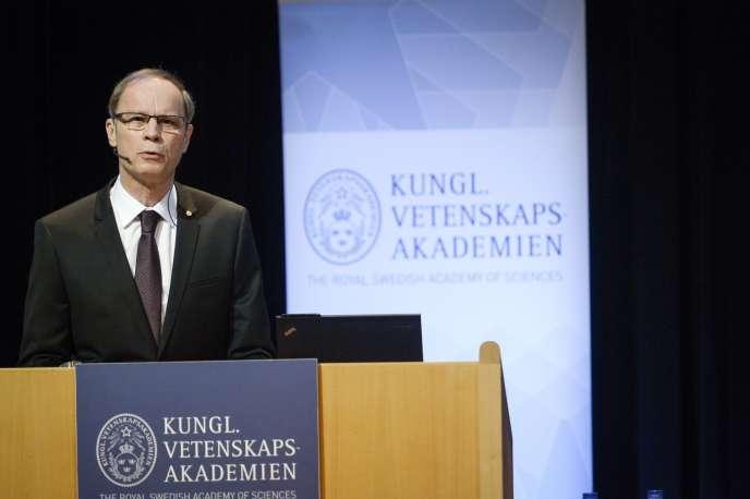 Jean Tirole prononce son discours officiel de réception du prix Nobel d'économie à l'Université de Stockholm, le 8 décembre