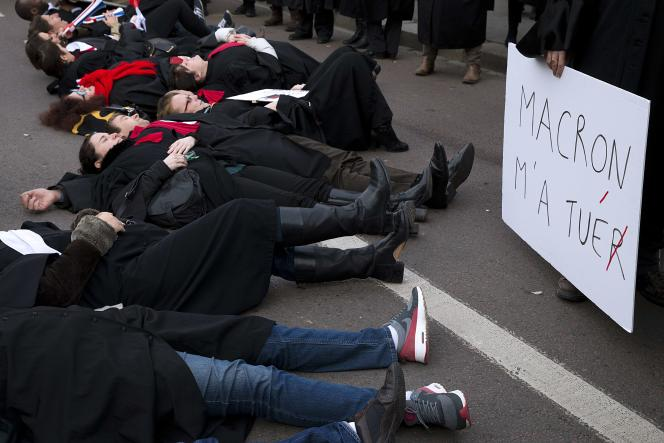 Manifestation des avocats à Versailles, le 21 novembre.