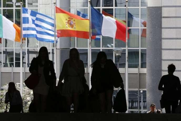 La commission des affaires juridiques du Parlement européen a adopté mardi 16 juin un projet de directive controversé sur le secret des affaires.