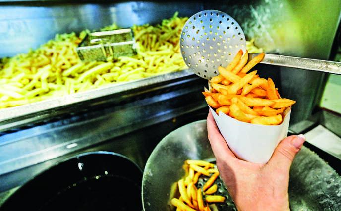 «Une administration (la direction générale de l'alimentation) contrôle la production des pommes de terre et des tomates, pendant que l'autre (la direction générale de la concurrence, de la consommation et de la répression des fraudes), surveille les frites et le ketchup ! »