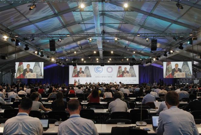 Le public écoutant le président péruvien  Ollanta Humala lors de la Conférence sur le climat COP 20 à Lima, 11 décembre 2014 (PERU - Tags: ENVIRONMENT POLITICS)