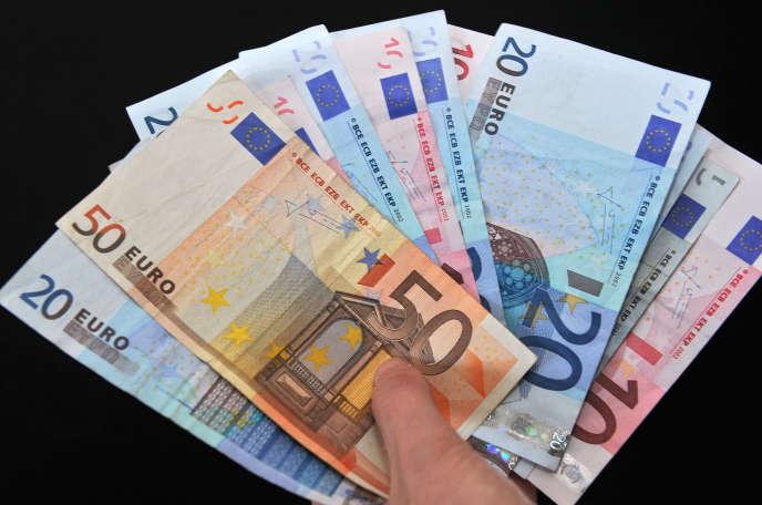 Prêt d'union est le site en France mettant en relation des particuliers souhaitant emprunter de l'argent et des prêteurs. Son modèle : l'américain Lending Club.