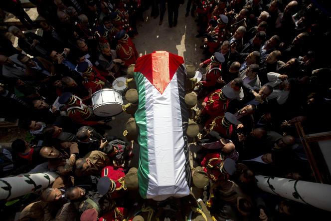 A Ramallah, en Cisjordanie, jeudi 11 décembre 2014, funérailles du ministre palestinien Ziad Abou Ein tué mercredi lors d'une manifestation contre une colonie sauvage israélienne.