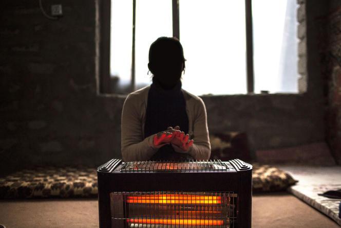 Kidnappée dans son village, puis vendue à Mossoul, cette jeune fille a réussi à échapper à son « maître » et a fuit grâce à la complicité d'une famille sunnite hostile à Daech.