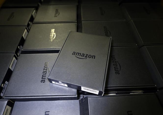Un stock de Kindle. Pour 9,99 euros par mois, le lecteur français aura accès à un très large catalogue de livres... en anglais.