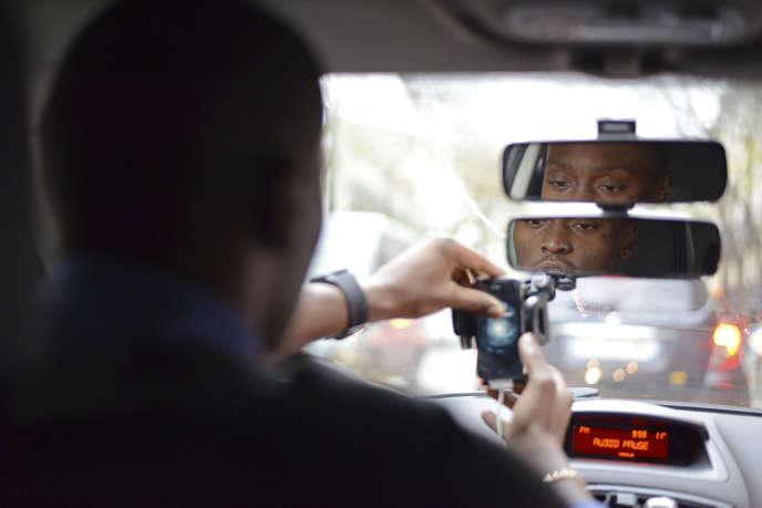 Le tribunal de commerce n'a pas interdit le service de taxis par des particuliers, même s'il reste illégal.