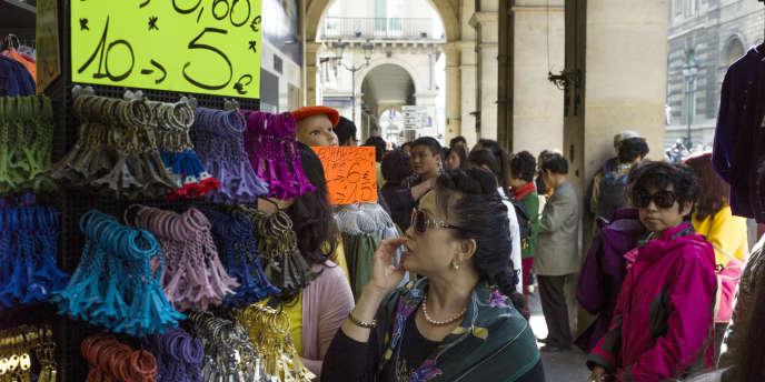 Les professionnels du tourisme plaident pour une ouverture des boutiques le dimanche, pour éviter que la riche clientèle internationale fuie vers d'autres capitales.