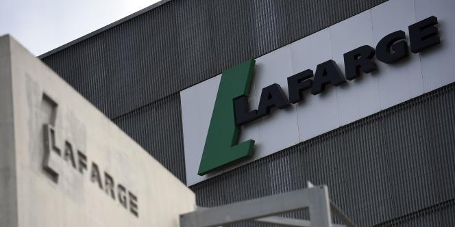 Le cimentier Lafarge va fusionner avec son concurrent suisse Holcim.