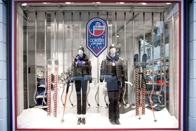La vitrine du magasin Colette met Fusalp à l'honneur.
