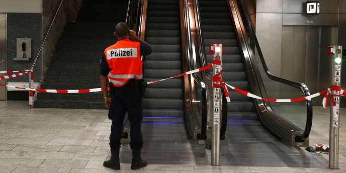 L'aéroport de Zurich a été partiellement fermé, dans la soirée du lundi 15 décembre, en raison d'une