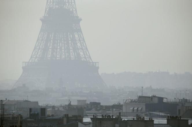 Paris sous son brouillard de pollution, le 14 mars 2014.