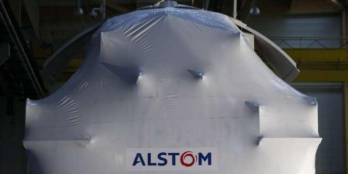 Une nacelle dans l'usine de turbines éoliennes offshore Alstom de Montoir-de-Bretagne, près de Saint-Nazaire, le 2 décembre.