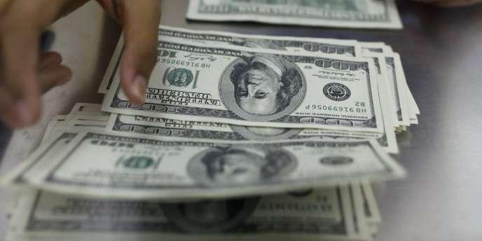 Du fait de l'explosion des frais de scolarité, qui ont augmenté de 440 % en 25 ans, selon le magazine Forbes, près des trois-quarts des étudiants diplômés ont été obligés de contracter un crédit.