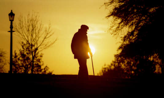 Quand le maintien à domicile n'est plus possible, ou plus souhaité, diverses options d'hébergement existent pour les personnes âgées. Encore faut-il savoir à quelles portes frapper.