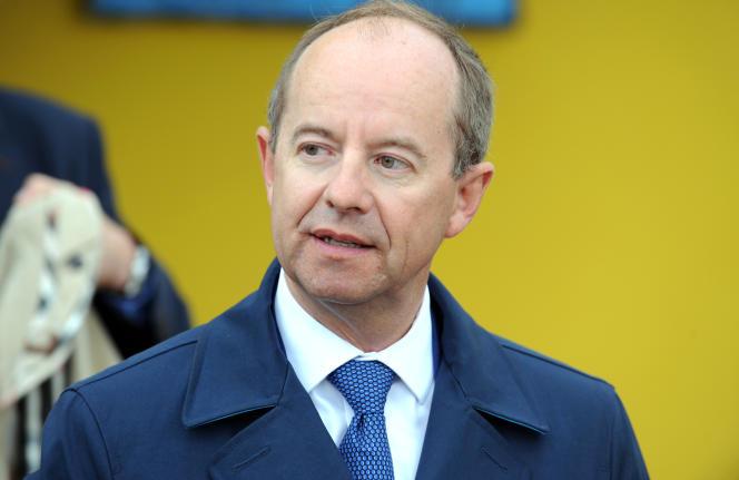 Jean-Jacques Urvoas, président de la commission des lois de l'Assemblée et de la présidence tournante de la délégation parlementaire au renseignement, le 25 août, à l'île-de-Sein (Finistère).