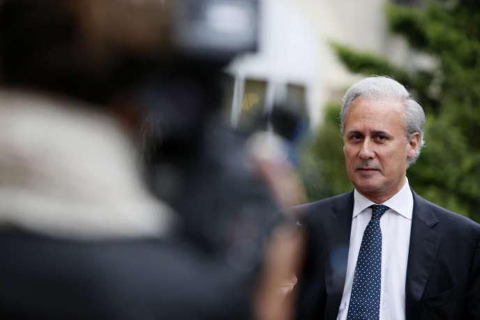 Le maire de Draveil, Georges Tron, renonce à se présenter aux élections législatives de 2017.
