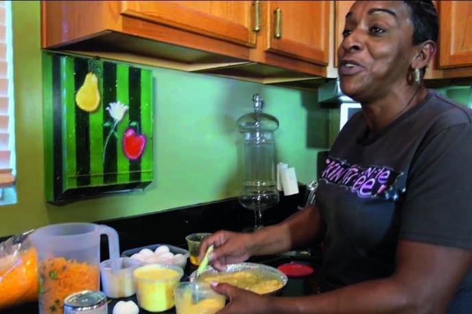 Auntie Fee a sa propre chaîne YouTube, qui compte une cinquantaine de vidéos faites maison et 250 000 abonnés.