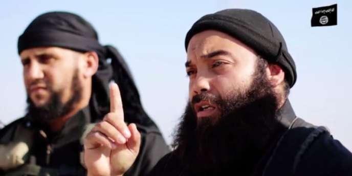 Capture d'une vidéo diffusée jeudi 18 décembre par des djihadistes tunisiens ralliés à l'organisation Etat islamique.