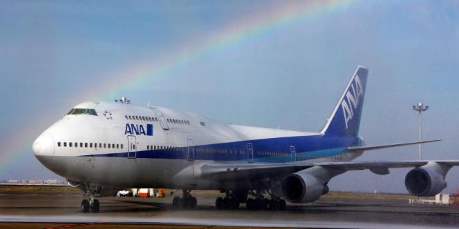 Un Boeing747 de la compagnie All Nippon Airways (ANA), en mars, à l'aéroport de Tokyo-Haneda.