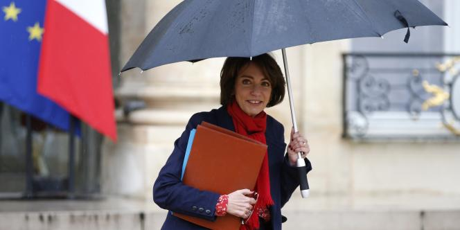 La ministre des affaires sociales, Marisol Touraine, à la sortie du conseil des ministres le 17 décembre.