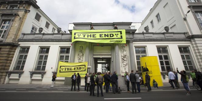 Manifestation contre le prolongement de l'activité des réacteurs Doel 1 et Doel 2, à Bruxelles, le 10 septembre.