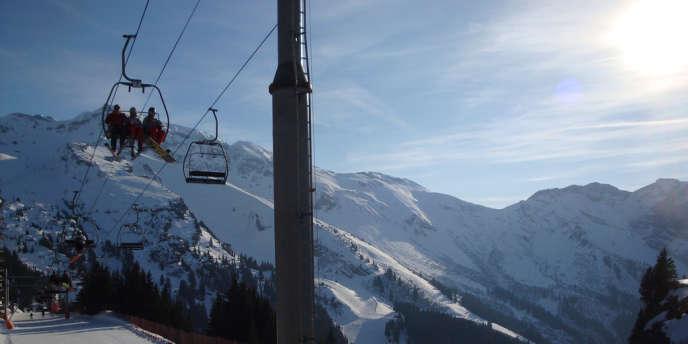 Pour préserver son domaine skiable en raison du manque de neige, la station d'Avoriaz a instauré des quotas de skieurs.