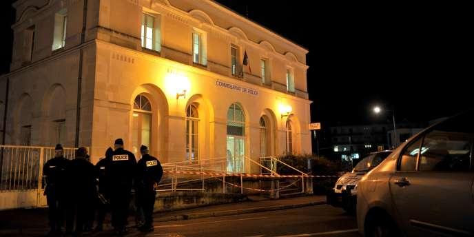 Samedi, un homme avait attaqué le commissariat de Joué-lès-Tours (photo) avant d'être abattu.