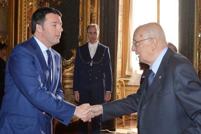 Matteo Renzi (à gauche) et Giorgio Napolitano, au palais du Quirinal, le 17décembre.