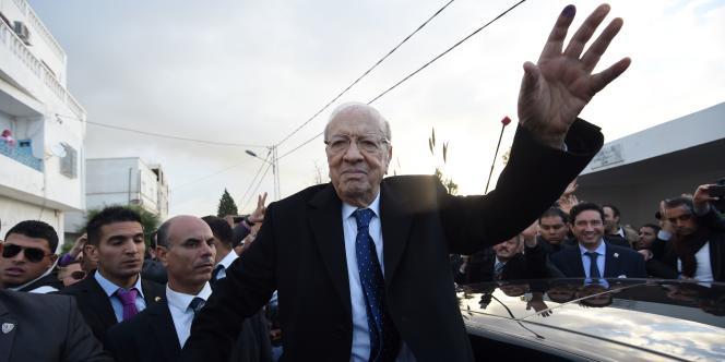 Béji Caïd Essebsi, après son vote pour le second tour de l'élection présidentielle, le 21 décembre à Tunis.