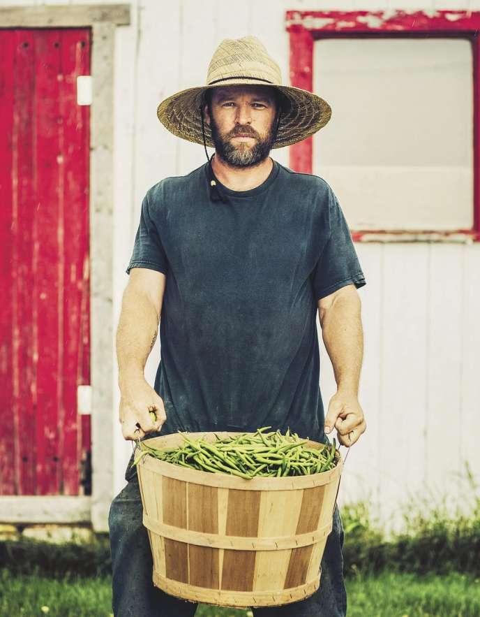 Marc-André Corriveau, maraîcher bio sur l'île d'Orléans, était en couverture du premier numéro de Caribou, magazine sur le renouveau de l'art culinaire québécois.
