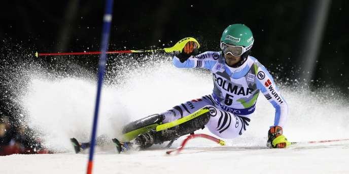 Felix Neureuther durant la première manche du slalom de Madonna di Campiglio, lundi 22 décembre dans les Alpes italiennes.