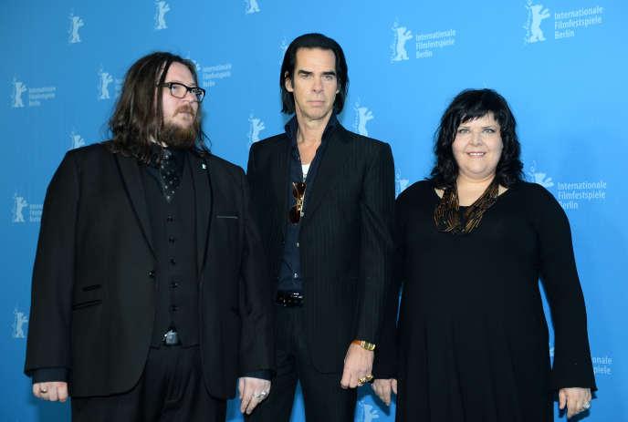 De gauche à droite : Iain Forsyth, Nick Cave et Jane Pollard lors du 64e Festival du film de Berlin, le 10 février 2014.