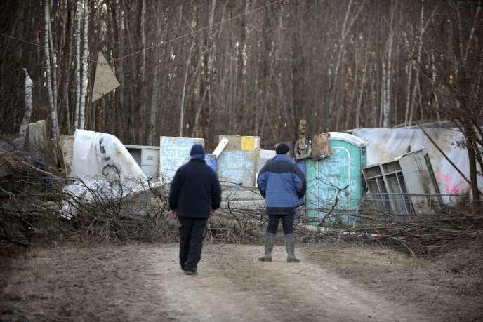 Des barricades contre le projet de Center Parcs, dans la forêt de Chambaran, près de Roybon (Isère), le 23décembre.